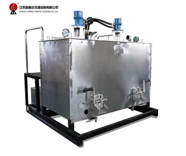 LXD800/1200/1200B 液压双缸热熔釜